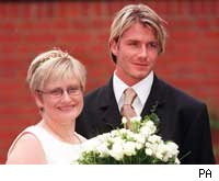 Beckham with sister Lynne