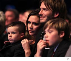 Pregnant Victoria Beckham tweets thanks while David on facebook