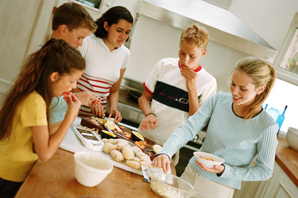 Teaching teenagers to cook