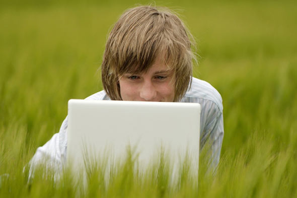 Kids' internet use: More socialising, less homework