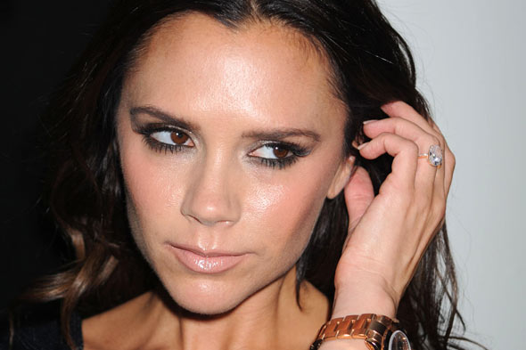 Victoria Beckham not too Posh to breastfeed her daughter