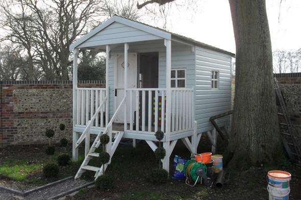 Couple told to apply for planning permission for six-year-olds Wendy house