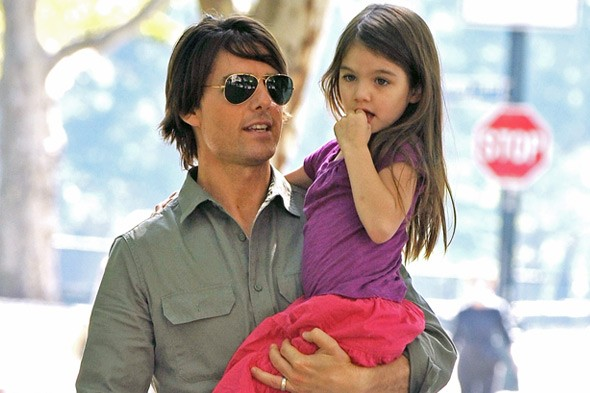 Tom Cruise, dad to Suri