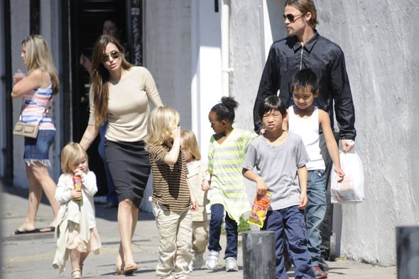 Brad Pitt Angelina Jolie and children
