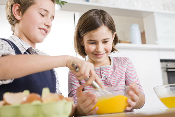 Children cooking - ideas for what to do in the holidays