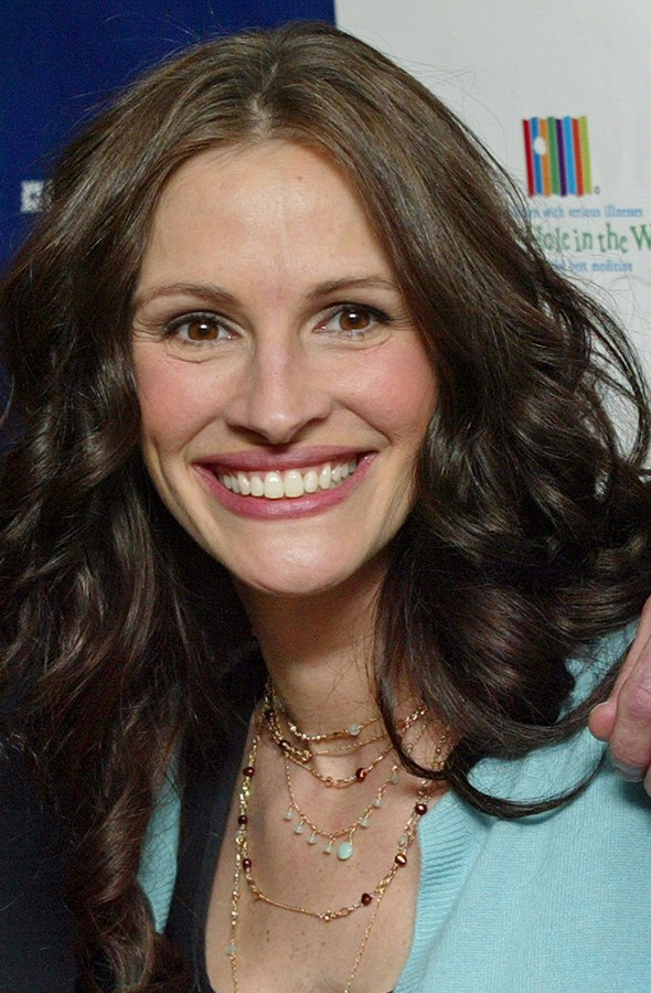 Julia Roberts, mum to Hazel, Finn and Henry