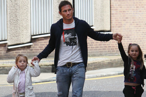 Frank Lampard and his daughters