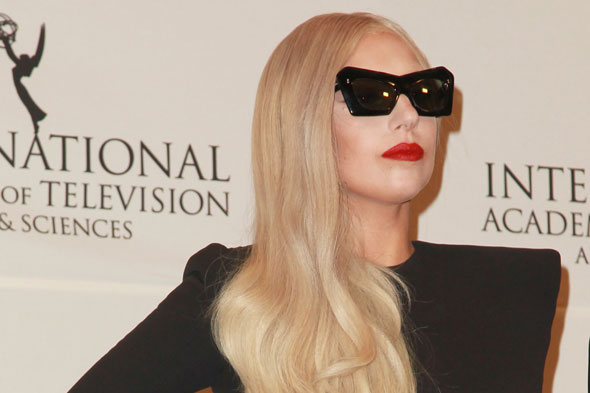 Lady Gaga goes goo-goo over driver's impending arrival