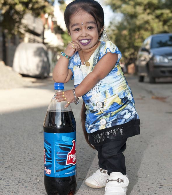Meet the world's smallest woman