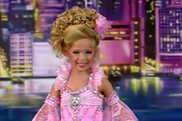 Toddlers and Tiaras mum says toddler's prostitute outfit was just a joke