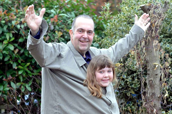 Obese dad Chris Willis lost 9st in six months so he can play with his daughter