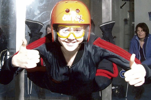 Schoolgirl Sian Spence to take GCSE in skydiving!