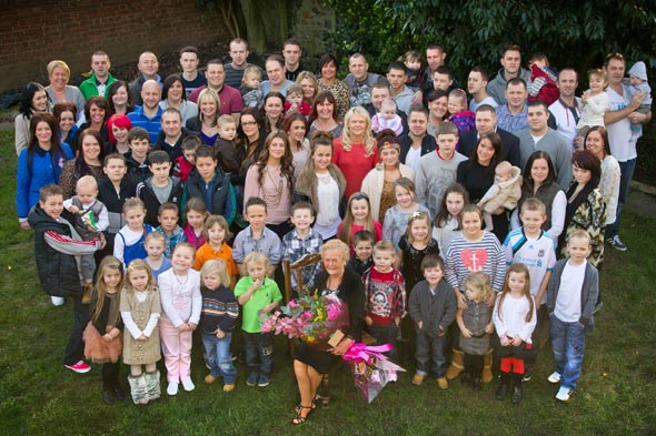 Super-gran Beryl O'Flynn celebrates 85th birthday with 126 of her 136 descendants
