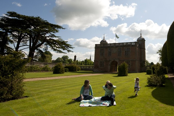 win a family day pass to the national trust. Black Bedroom Furniture Sets. Home Design Ideas