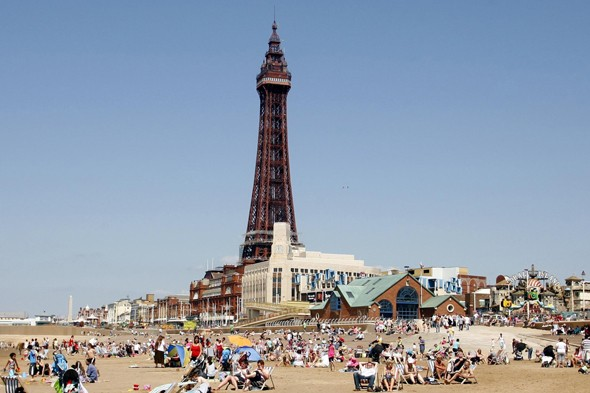 Picnics banned on Blackpool Pleasure Beach