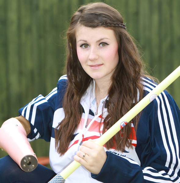 Teenager born with one arm is going for gold at the 2012 Paralympics thanks to special weighted prosthetic arm