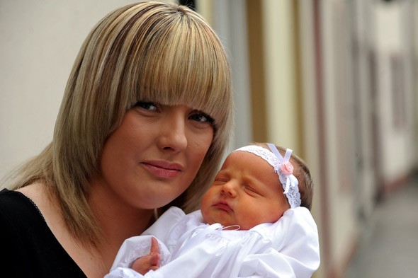 Grieving mum Kelly Jones and her daughter Ava