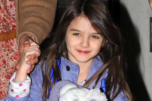Is Suri Cruise wearing lipstick at the age of five?
