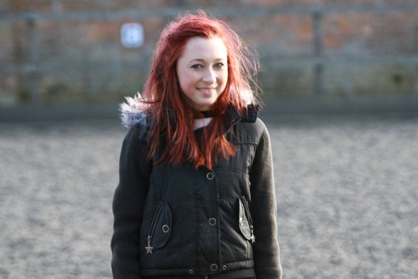 Teenager rides horse after risky operation to straighten her spine