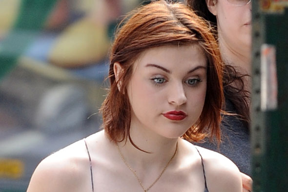 ... Twitter to accuse her daughter Frances Bean of having sex with her dad ...