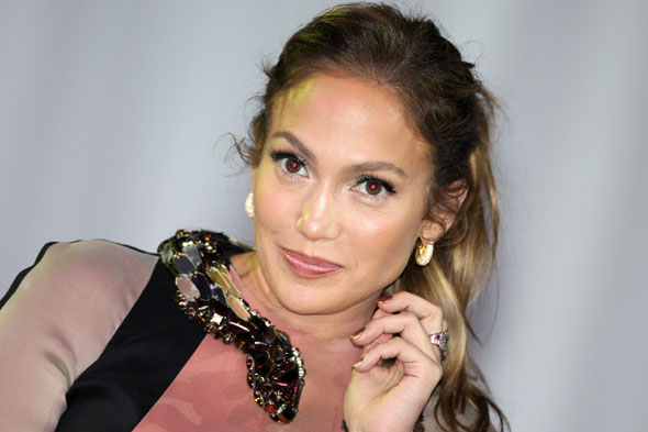 Jennifer Lopez speaks out about her enormous post-pregnancy feet! 