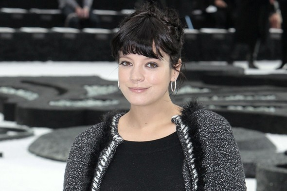 Lily Allen hits out on Twitter after her stillbirth is referred to as a miscarriage