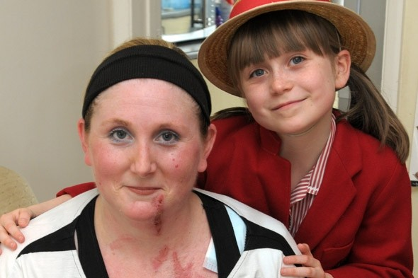 Schoolgirl saves mum from exploding ravioli!