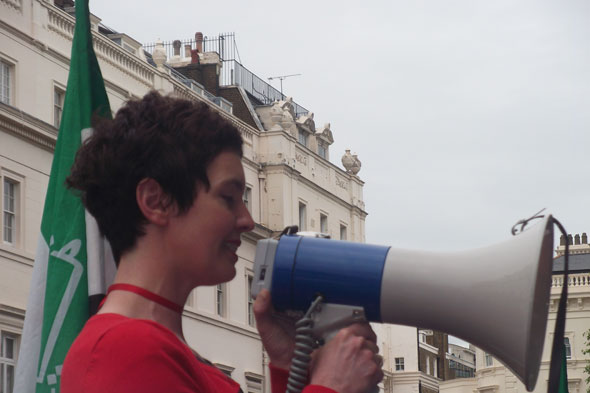 Louise Tickle speaks at Syria protest