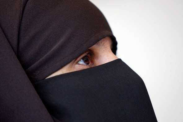 Mum banned from school parents' evening - for wearing a veil