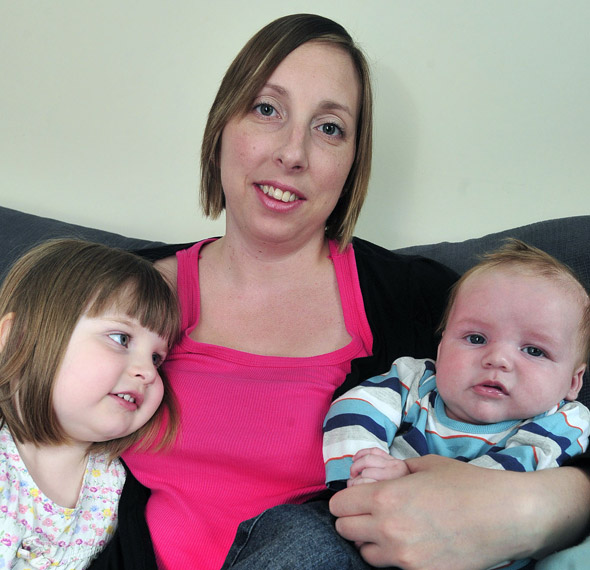 Mum loses 12 pints of blood in childbirth (that's more than is in a human body)