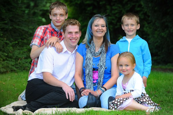 Mum of three loses memory and forgets she has children after waking from a coma