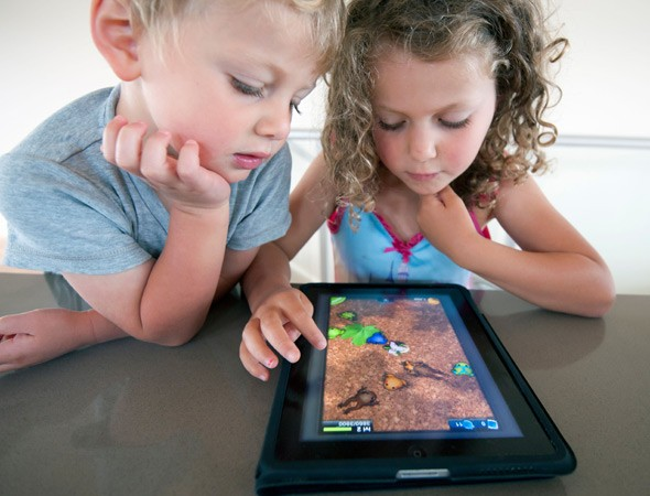 Pinterest Marketing - Choosing a profile picture - Kids Playing on iPad