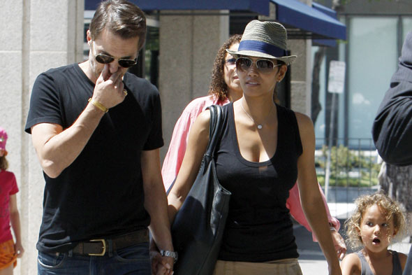 Halle Berry can't take daughter to live in France with new beau Olivier
