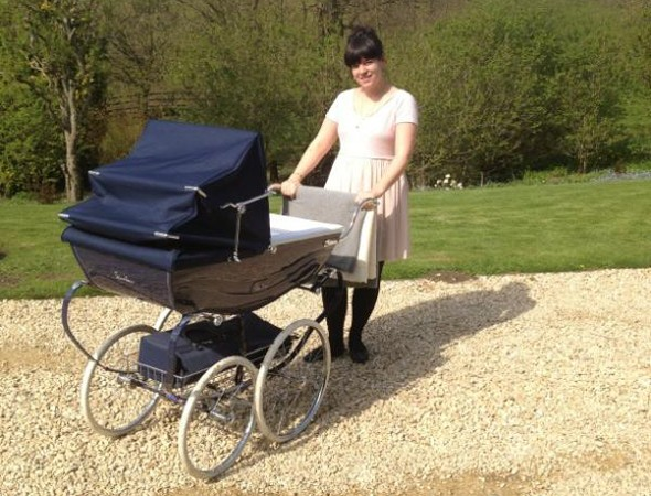 Lily Allen with daughter Ethel in her Silver Cross pram