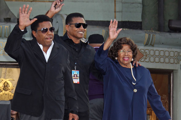 Michael Jackson's mum re-awarded guardianship of his children