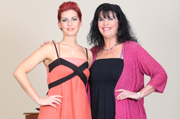 Woman sheds SIX stone after her mum tricks her with gastric band hypnosis