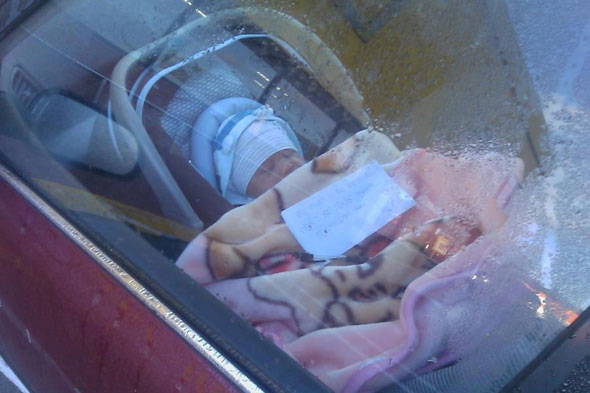 Mum leaves newborn in car and goes shopping