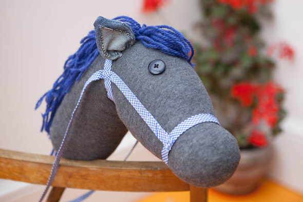 Red Ted Art makes: Hobby horses