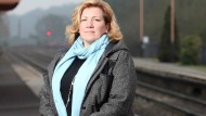 Mum wins award for breaking up fight on train