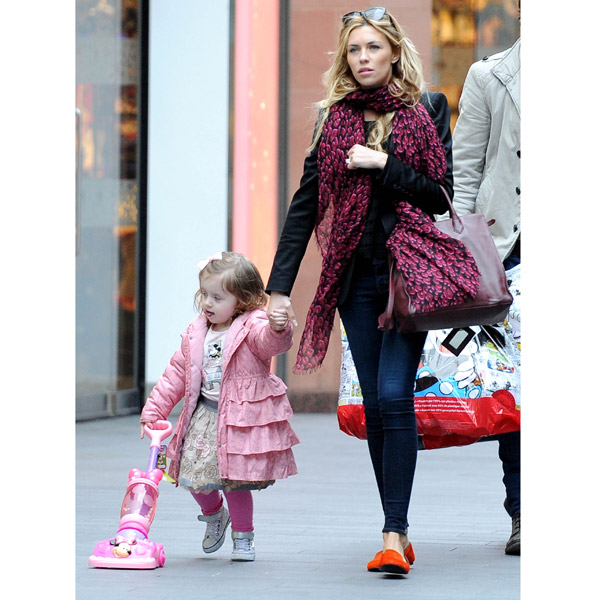 Vac's the way to do it! Abbey Crouch's little girl Sophia takes her cleaner shopping!