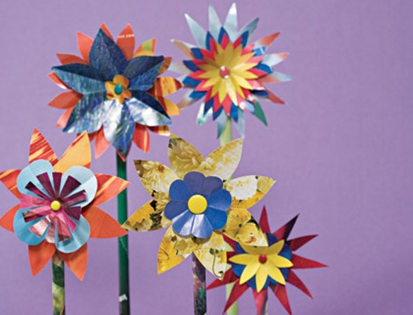 Crafts for kids: How to make glossy paper flowers