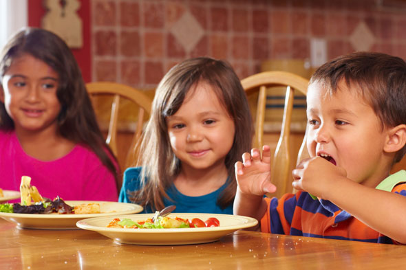 'Clean your plate' nagging fuels obesity epidemic, experts warn