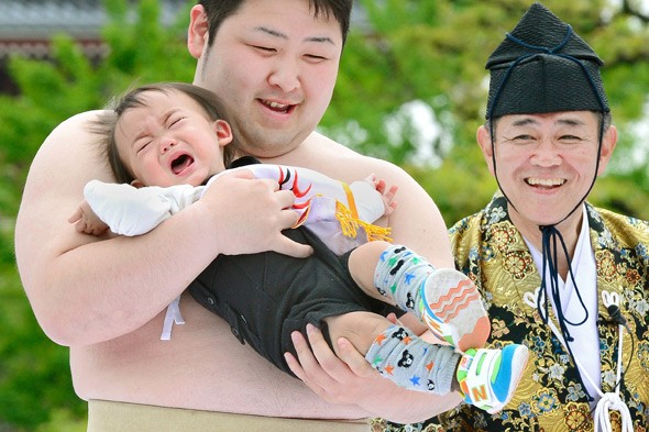 Sumo wrestlers prove they are real cry-babies