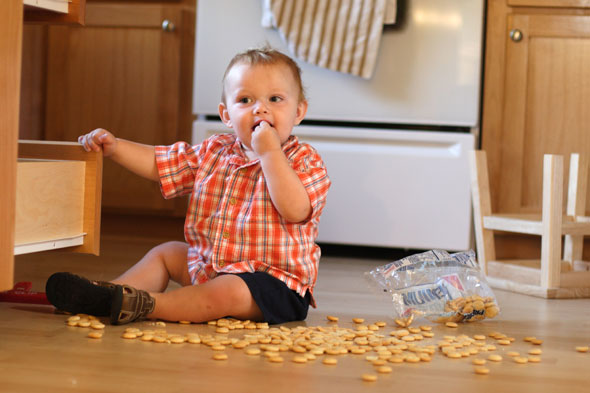 10 things all toddlers REALLY want to do (and WILL try to do when your back is turned)