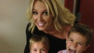 'I've got the two cutest boys in the world.' Britney Spears posts gorgeous pic on Twitter