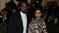 Kim Kardashian has gender revealing baby scan on reality TV