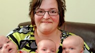 Mum 'too fat to have a baby' has TRIPLETS after losing 12 stone