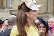 Kate Middleton pregnant: Duchess of Cambridge looks blooming at Royal garden party