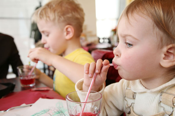 Blindingly obvious research says kids quaff more fizzy drinks while watching telly