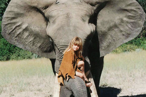 Amazing life of Mowgli girl and jungle animals she grew up with